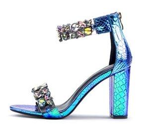 scarpe glitter con la scatola Bella sexy scarpe donna estive Buckle Strap Rivet Sandali con tacco a punta di lusso punta 10 centimetri singolo Tacco alto