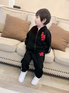 유아 아기 소녀 소년 의류 봄 가을 어린이 의상 후드 티 + T + 바지 2 개 운동복 아동 의류 스포츠 정장을 설정합니다