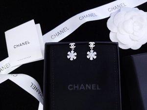 2019 nuevos pendientes para damas s925 temperamento personalizado de alta gama de plata de ley elegante con flores románticas