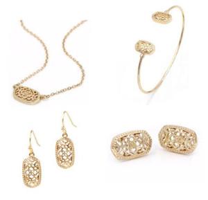 Kendra cadeau de Noël de style Smalll ovale évider alliage Cadre ovale Boucles d'oreilles Boucles fantaisie pour les femmes