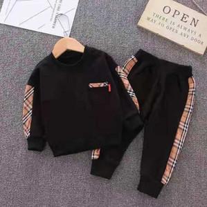 D2 Bahar Erkek Bebek Kız Giyim Moda Çocuk tişört pantolon 2adet / Takımları Bebek Pamuk Suits Çocuk Giyim Seti Bebek Karikatür Eşofman