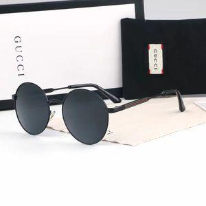 138 Homens de alta qualidade e óculos de sol de condução de moda feminina marca designer lentes e caixas de óculos de sol de resina