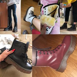 Talones Lucyever para mujer otoño invierno las botas del tobillo ata para arriba el piso de la plataforma acolchada de piel de algodón Zapatos Mujer militar de piel Botas Mujer