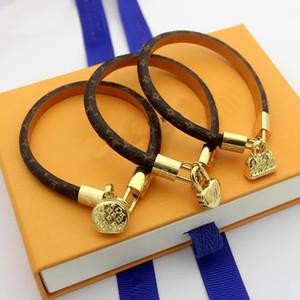 Fashion jewelry Named Lady Round Print Four Leaf Flower V Letter Leather Bracelets Bangle With 18k Gold Handbag Perfume Bottle Heart Pendant