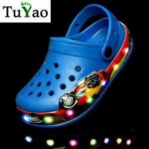 2020 New Kids Cartoon Led Sandals Light up Children Summer shoes Glowing Slippers for Boys & Girls Flashing Beach Shoes for Todd Y200619