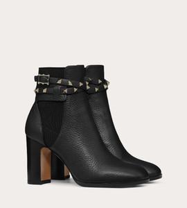 Itália Designer Vinho-vermelho, preto couro genuíno casamento Studded Correias Moda Studded tiras no tornozelo Botas Party Rock Studs Carregadores das mulheres