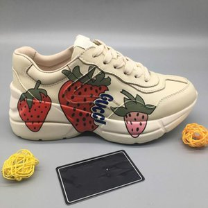 2020 neTheNewest Rhyton Leather Sneaker with Wave Mouth Print strawberry boy Luxury Casual Shoes Fashion Vintage Womens fashion Dad Sneaker