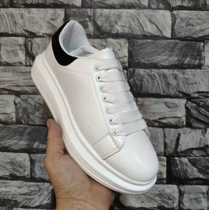 De cuero del nuevo diseñador de moda de calzado temporada lujo de las mujeres zapatos de los hombres atan para arriba Plataforma de gran tamaño Sole zapatillas de deporte de los calzados informales Blanco Negro
