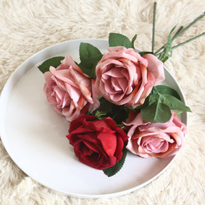 INS 시뮬레이션 벨벳 로즈 결혼식 배열 손 장미 꽃다발을 들고 인공 꽃 장식 식물 꽃 벽 가짜 화환 지점