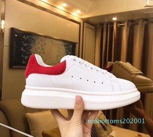 Los relojes baratos Diseñador Hombres Mujeres zapatilla de deporte casual de calidad superior de cuero suave zapatillas de deporte de los zapatos de terciopelo gris Chaussures zapatillas de deporte Deportes AF26