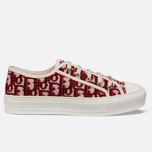 Kutu Sneaker Günlük Ayakkabılar Eğitmenler Moda Spor Ayakkabıları Yüksek Kalite Deri Çizme Sandalet Terlik Vintage Hava İçin Kadın DA1603 ile