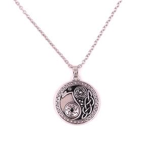 골동품 실버 Morrigan 크로우 까마귀 펜던트 음과 양 Amulet 종교 목걸이