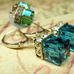 Favors 1 par Emerald Vintage Cut Aquamarine Diamante Huggie Hoops Brincos 14K White Gold Finish partido