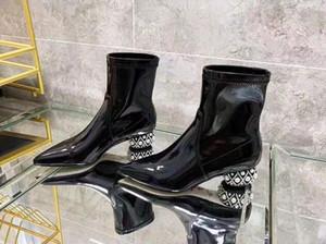 Mulher Rene Caovilla couro envernizado Sapatinho Pérola Heel Pull-on Itália Pointed Toe embelezado Pérola Rene Botas New Shoes