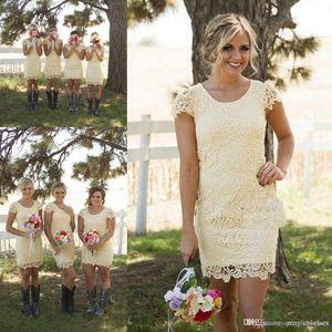 2020 светло-желтые короткие подружки невесты платья для загородной свадьбы дешевые гаечные шеи с короткими рукавами ножна кружева плюс размер горничные чешевые платья