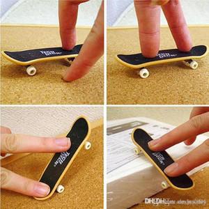Mini Skate Boarding Creative Graffiti skateboard Finger Plastic Fingerboard Hand Wrist Finger Exercise Toy 9.5cm