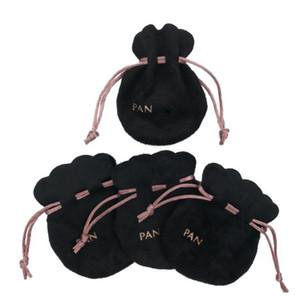 Cinta rosa Bolsas de terciopelo negro de joyería europea Bolsa de bolsas Cuentas encantos y pulseras Collar Joyería Moda Colgante Bolsas de regalo A0191