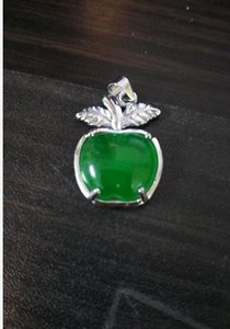 Natural emerald apple pendant for free delivery A2