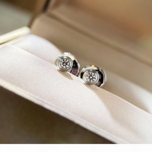 Hot sale S925 silver love stud earring with 0.8