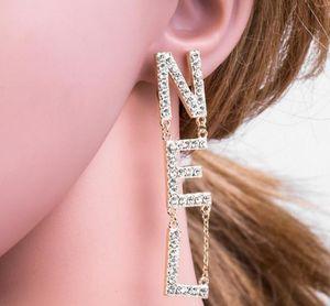 Jóias Presentes Letter Tassel New completa Rhinestone / Pearl completa Pulseiras para mulheres Moda Asymmetric Stud Brinco
