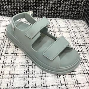 последние горячие роскошные брендовые женские сандалии с принтом поразительный Гладиатор стиль дизайнеры кожаная подошва идеальная плоская равнина сандалии