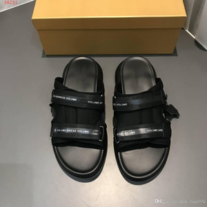 High-end custom slippers Black Oxford cloth and leather combined with men's sandals wear - resistant rubber soles With Dust Bag