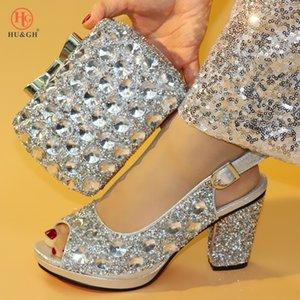 Neue silberne Farbe Mode Italienische Schuhe mit passender Kupplungsbeutel Heiße afrikanische große Hochzeit mit High Heel Sandalen und Taschensatzparty