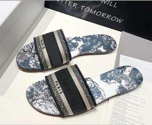 Slipper Designer DWAY MULE tela di Jouy ricamo dei sandali Stripes fioriture diapositive all'aperto infradito Pantofole donna Womens Scuffs diapositive d'or