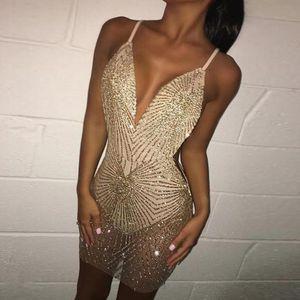 Vestido para mujer Correa Sparkly Sexy Vestido Mujer Cuello en V Cuello de respaldo Bling Bling Vestidos de fiesta Club de noche Use Lechera Vestido Tamaño asiático