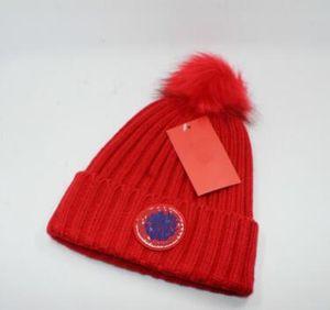 Trendy Şapkalar Kış Örme Yün Beanie Etiket Lüks Kablo Hımbıl Kafatası pom poms Kapaklar Eğlence Kasketleri Açık cc caps