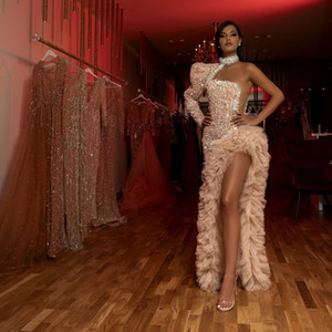 Специальное нерегулярное формальное платье PROM вечерние платья Одно плечо роскоши высокой шеи блестки бисером кристалл вечерние платья одежды де-эйрэ