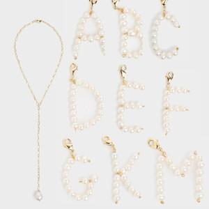 Perla iniziale di gioielli di perle d'acqua dolce nome fai-da-te personalizzato inglese alfabeto lettera pendente di fascini della collana per le donne J190615