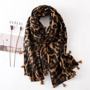 2019 Frauen Schal animal print Leopard Schal Dot Quaste Viscose-Schal Sjaal Muslim Hijab Snood-Schal Hijab 180 * 100cm