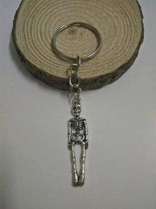 Moda takı Tibet gümüş Halloween kafatası / iskelet tıp Keychain- çekicilik kolye anahtarlık halkası DIY Fit Anahtarlık - 125