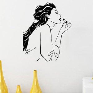 سيدة ترتدي أحمر الشفاه مميزة الفينيل ملصقات الحائط لغرف النوم أزياء غرفة المعيشة الرئيسية فنون الديكور ملصقات الشارات الجداريات