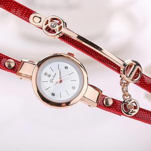 المرأة ساعات الموضة عارضة حجر الراين متعدد الطبقات سوار فو جلدية الشريط النظير كوارتز ساعة اليد