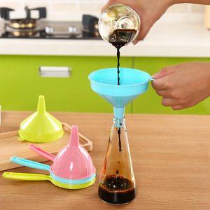10*9.5cm Liquid Funnels Home Kitchen Tool Multi Function Long Handle Liquid Funnels Home Kitchen Tool plastic funnel KKA7758
