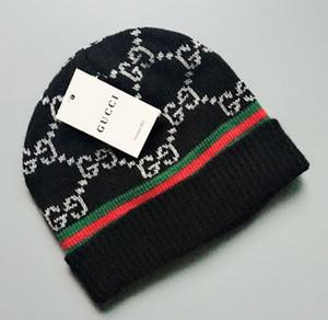 Venta al por mayor-2018 otoño invierno sombreros para mujeres hombres diseñador de moda gorros Skullies Chapeu gorras de algodón Gorros Touca De Inverno Macka 822