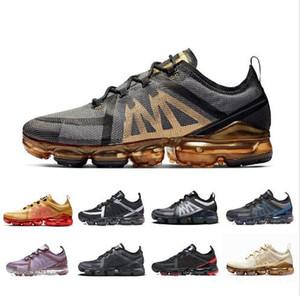 Yeni Varış 2019 Fly Erkek Kadın Koşu Ayakkabıları Üçlü Siyah Beyaz Hafif Nefes Yastık Tasarımcı Mesh Spor Sneakers 36-45