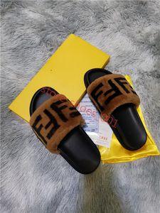 FENDI 2020 Leadcat Fenty Rihanna Ayakkabı Kadınlar adam Terlik Kapalı Sandalet Kızlar Moda çizikleri Gri Kürk Slaytlar Yüksek Kaliteli 2020 Hococal