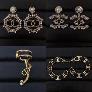 2020 venta caliente pendiente del encanto del estilo Wholseprice mezcla con perlas y diamantes mujeres PS4281 boda regalo de la joyería