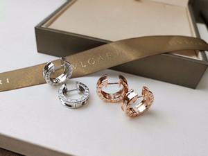 여자 문자 귀걸이 봄 쥬얼리 여성 귀걸이 최고의 품질을위한 WHOLSALE 브랜드 스테인레스 스틸 작은 후프 귀걸이