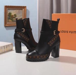 2020 donne Scarpe British Fashion Stivali punta rotonda Martin Boots fibbia cinturino tacco grosso punta tonda Moda ricamato caviglia # 6315 Boots