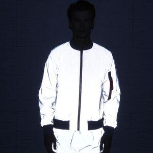 Mens Jacket cor sólida Reflective Windbreaker Waterproof Jacket Hip Hop Tamanho Streetwear Skate Coats noite que brilha Top Asian