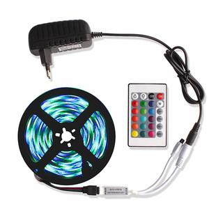 5m Non impermeabile Impermeabile a LED RGB Strip Light 2835 DC12V 60Led / M 300Leds Illuminazione flessibile RGB Nastro a nastro Led strisce con telecomando a 24 tasti IR