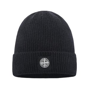 Mode Hommes Femmes chapeaux CP design COMPANY haute qualité tricot calotte insigne broderie femmes chapeau de laine de sport en plein air de tuques occasionnels