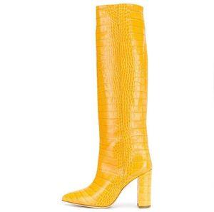 أحدث جلد أصفر ساحة المرأة أحذية الكعوب المدببة تو 2019 الشتاء الطويلة أحذية واسعة أحذية العجل للولائم اللباس بالاضافة الى حجم 10