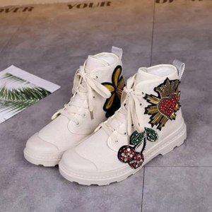 Nouvelles Femmes Chaussures Cheville Bottes Mode chaussons Top qualité Tête Ronde Talon Plat Martin bottes 111701