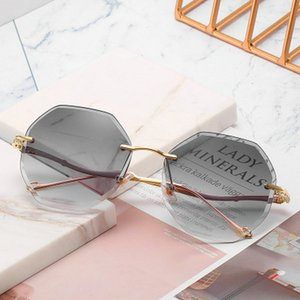 Frameless Sunglasse Lip Shaped Frameless óculos de sol Tendência Scrap Borda pára-sol Óculos de Sol Praia Casual Sunglasses Multi Color Hot PKsC6 Wk