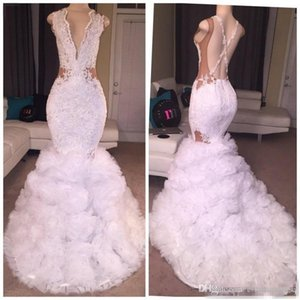 Sexy Designer White Mermaid Prom Dresses 2019 Tiefer V-Ausschnitt Puffy Rock Spitze Applique Criss Cross Rückenfrei Lange Party Kleider Abendgarderobe